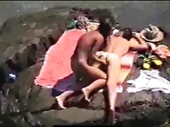 Mind blowing voyeur beach scene with amateurs fucking very hard